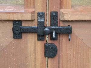 How to install a gate stop on a double gate